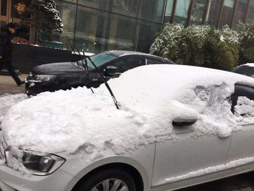 雪天户外停车注意事项