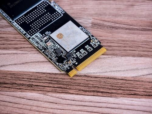识货的都买这款 英睿达MX300 SSD京东热卖