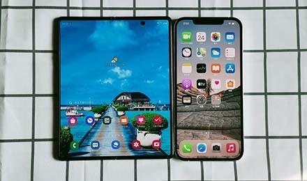 折叠屏直板屏易用性巅峰对决 三星苹果你站谁?