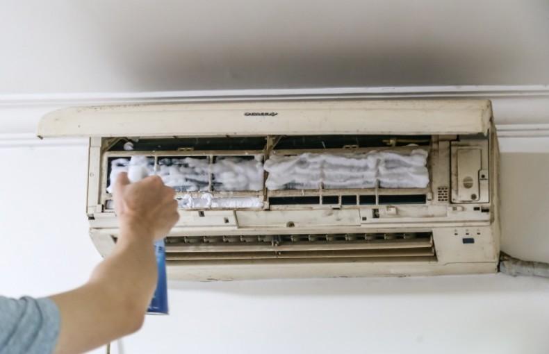 空调清洗 10块钱搞定12年高龄空调