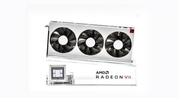 拆解大师:AMD RADEON VII里面长啥样