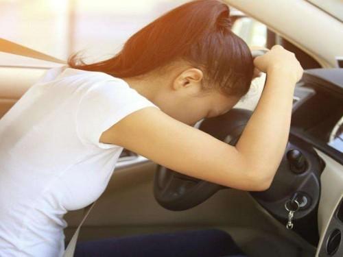 开车春困要不得,怎么才能让你打起精神