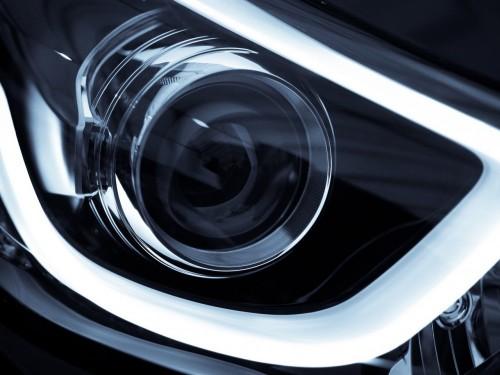 通过灯光的改装提高车辆安全