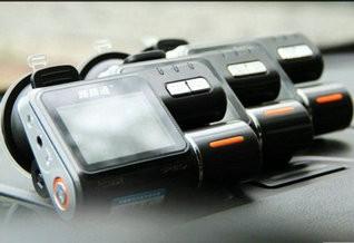 公模的烦恼 三胞胎行车记录仪横评测试