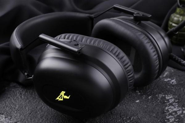 三种风格炫酷的电竞耳机 献给爱玩的你