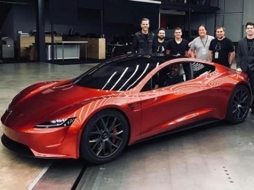 新Roadster将配备火箭助推器