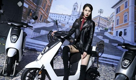简约时尚的高颜值 本田V-GO Moped轻便电摩图赏