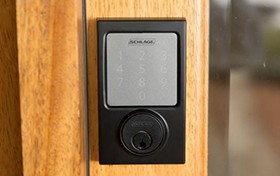 你想怎么进门?智能门锁支持Siri开门