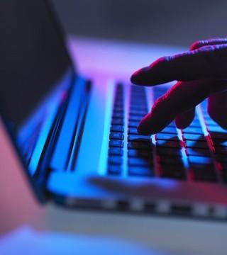 论网络与安全之间的穿越大剧