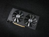 蓝宝石RX 560XT 4G D5 白金版 OC
