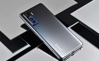 """骁龙865手机中的""""轻薄款"""" iQOO 5图赏"""