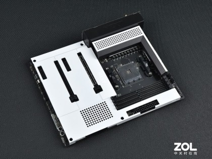 NZXT N7 B550主板评测