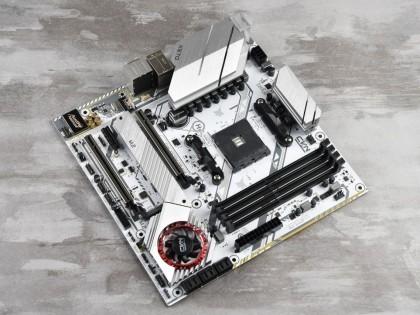 X570主板插了两个PCIe 4.0固态 会影响显卡的速度么?