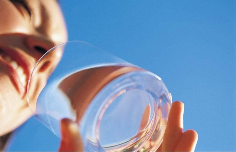不懂就问:饮用水 是越纯净就越好吗?
